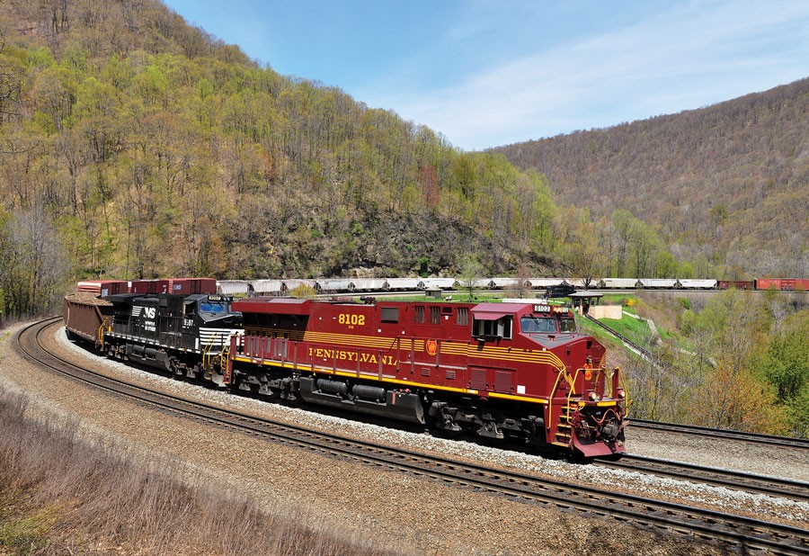Pennsylvania Railroad heritage train at Horseshoe Curve